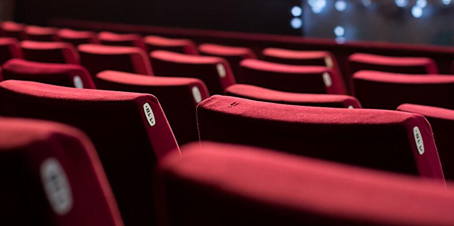 Sinema sektörü 2018 yılında seyirci kaybederken, kazanan tiyatro oldu