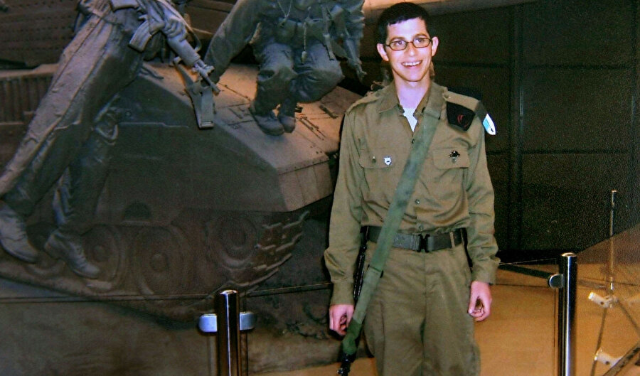 Gilad Şalit isimli İsrailli asker, Hamas tarafından 2006'nın haziranında kaçırıldı.