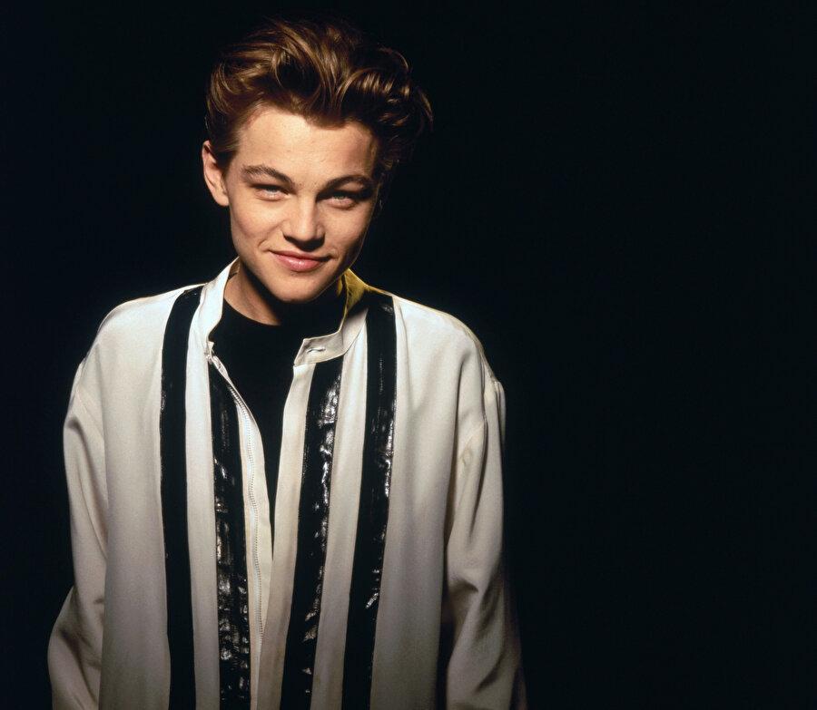 Genç Leonardo DiCaprio.