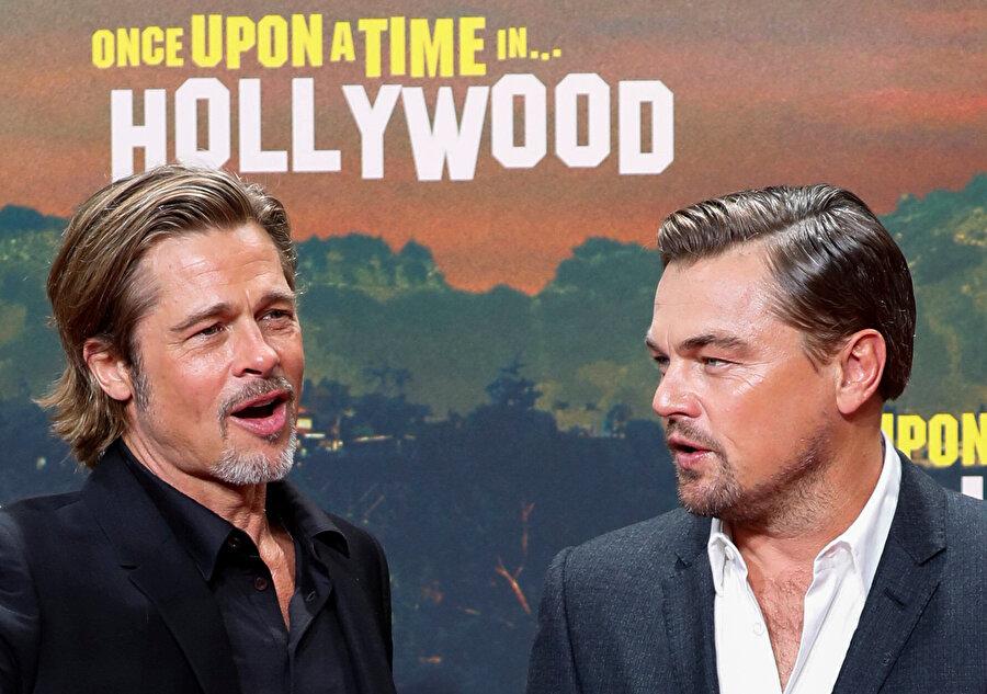 Brad Pitt ve Leonardo DiCaprio.