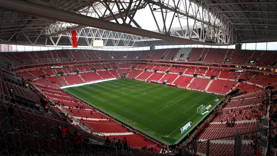 İzlanda maçının oynanacağı Ali Sami Yen Spor Kompleksi