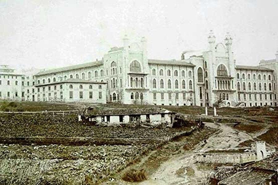 Haydarpaşa Mektep-i Tıbbiye binası