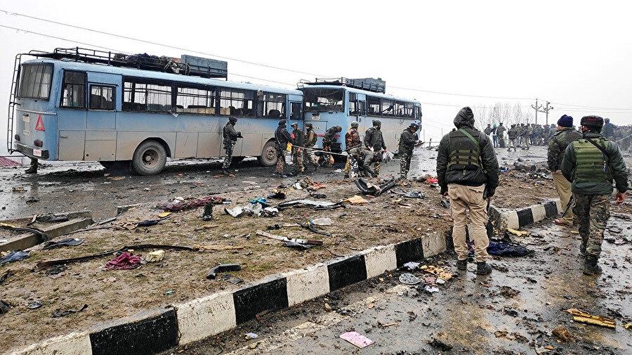 2019 yılı içinde Keşmir'in Hindistan idaresindeki bölgesi Pulvama'da gerçekleştirilen intihar saldırısında 42 Hint güvenlik görevlisi ölmüştü.