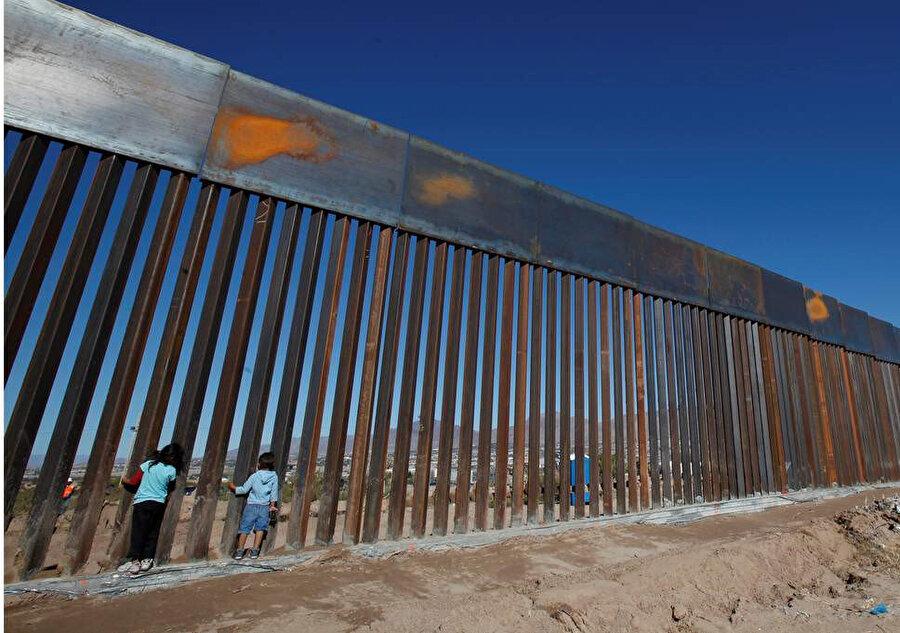 Donald Trump'ın 'Meksika duvarı hamlesi' en önemli seçim vaatleri arasında yer almıştı.