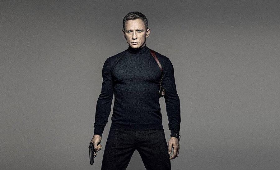 James Bond filmi, bugüne kadar 7 farklı aktörün canlandırdığı 24 filmle 'dünyanın en uzun soluklu serisi' unvanına da sahip