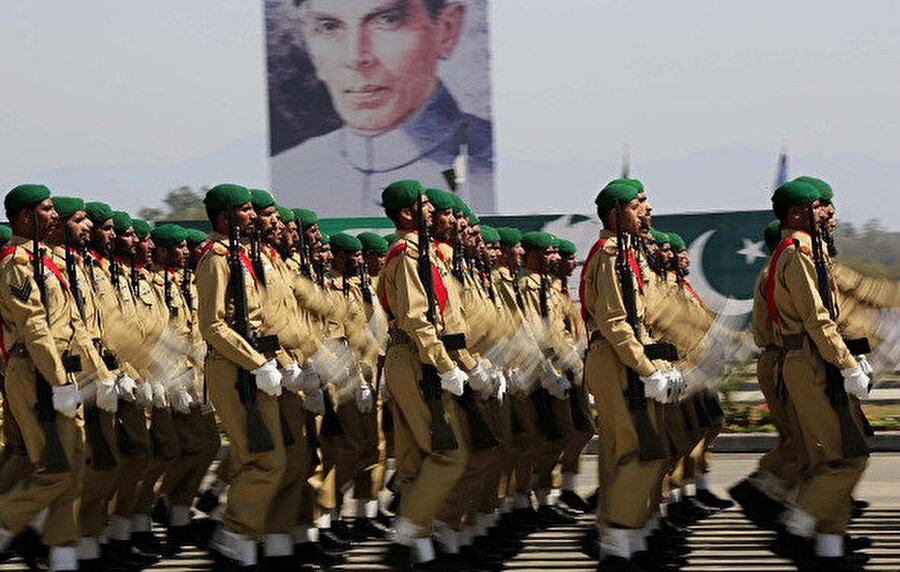 Pakistan ordusu geçit töreni