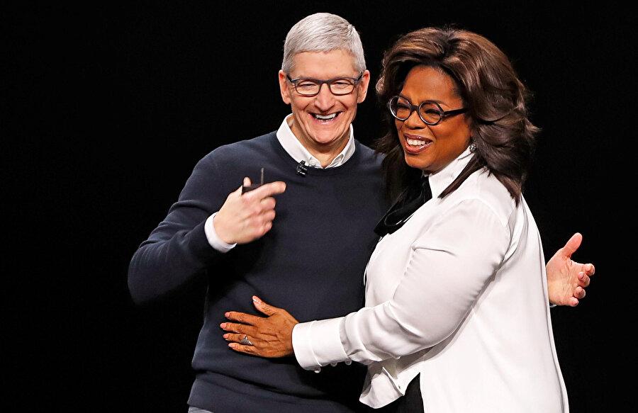 Tim Cook, Apple politikalarını 2016'dan bu yana bizzat belirliyor.