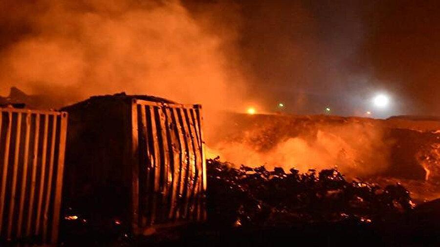Irak hava üssü yakınlarında bulunan İran'a ait mühimmat depolarına düzenlenen saldırılar sonrası depo alev alev yandı.