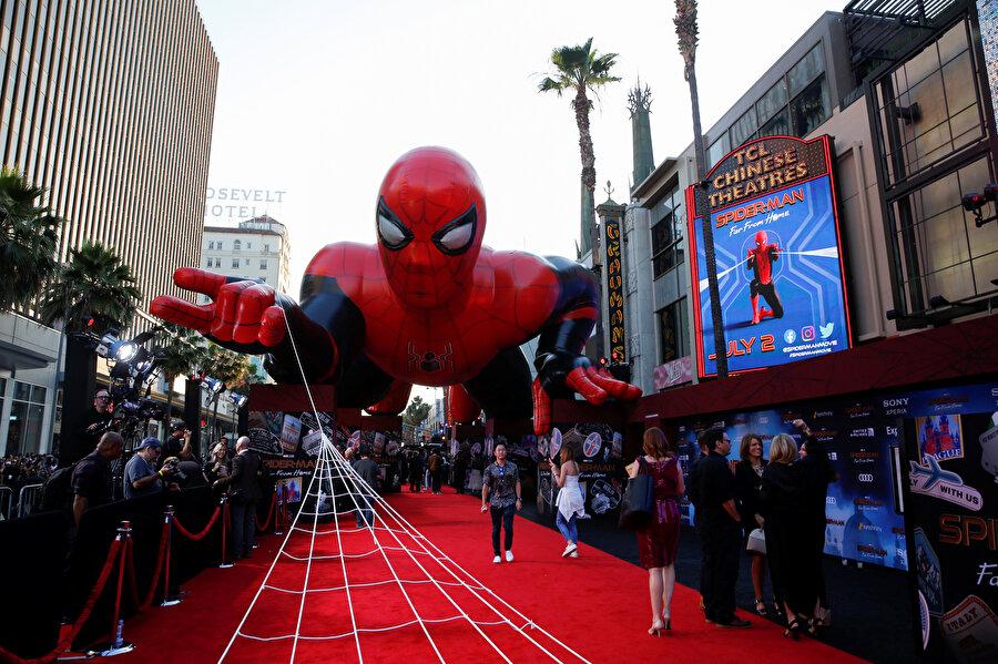 Marvel Sinematik Evreni, Spider-Man ile büyük gişe istatistikleri elde etti.
