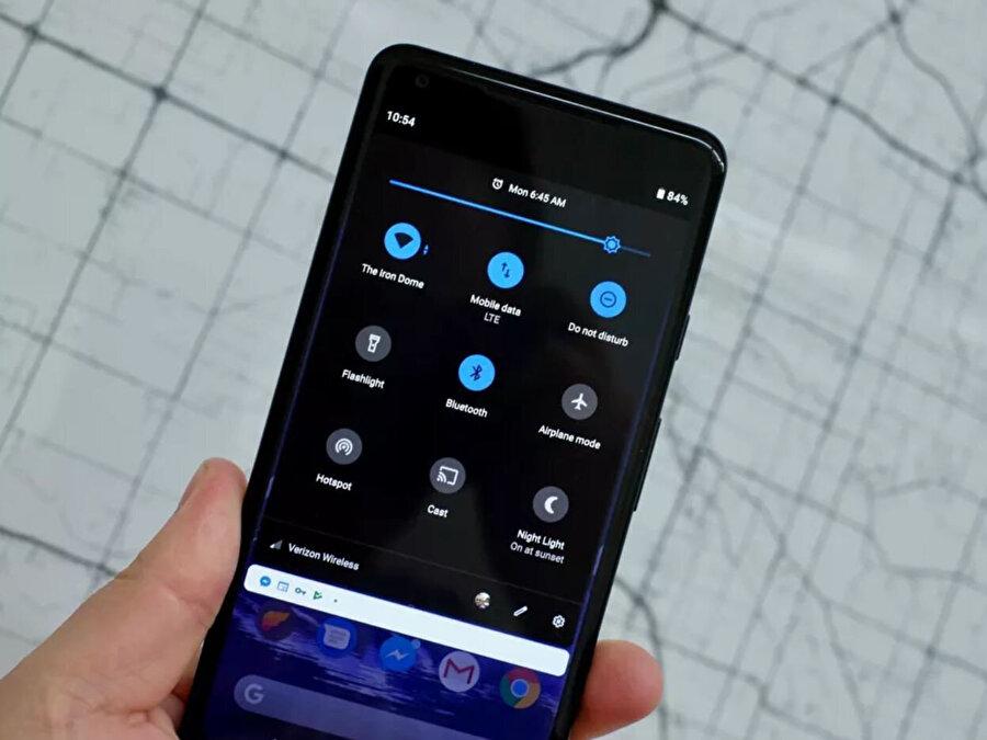 Sisteme gelen karanlık mod da yine Android 10 ile gelen yeni özellikler arasında.
