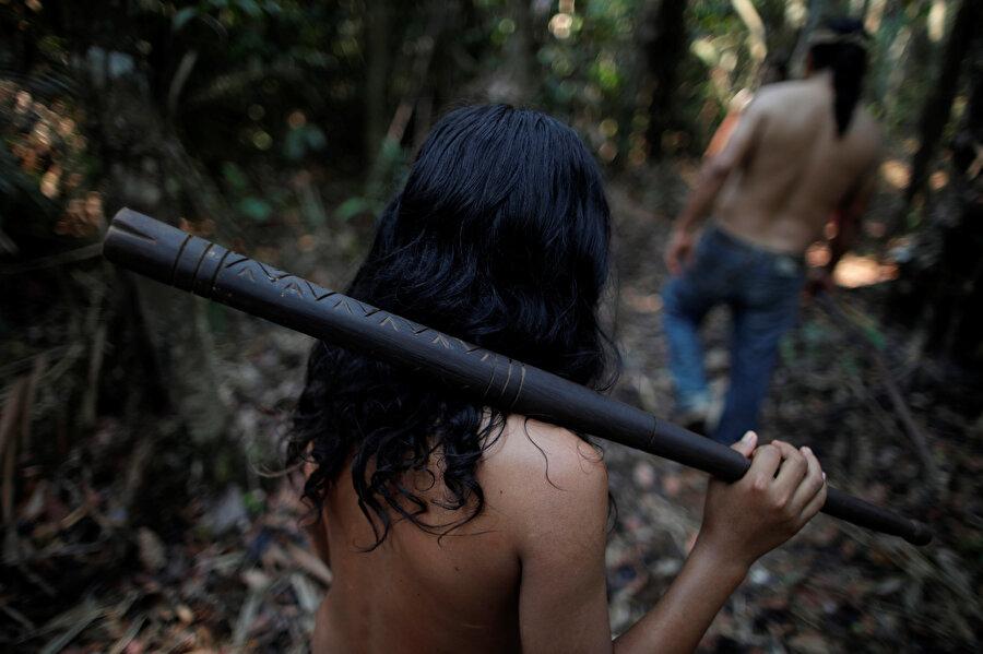 Amazon yağmur ormanlarında birçok kabilenin yaşadığı biliniyor.