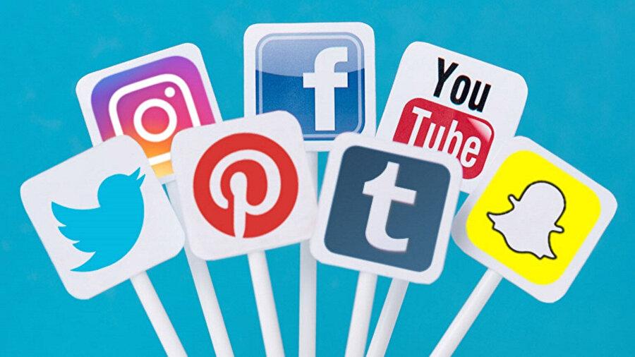 Sosyal medya platformları, günümüzün en popüler alışkanlığı konumuna sürüklenmiş durumda.