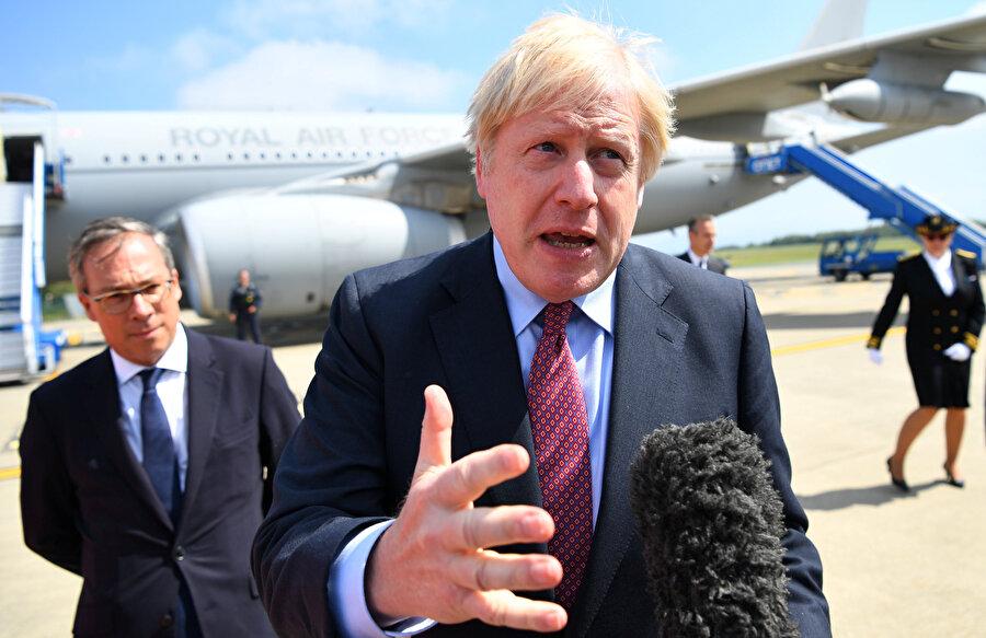 İngiltere Başbakanı Boris Johnson Fransa'ya geldi.