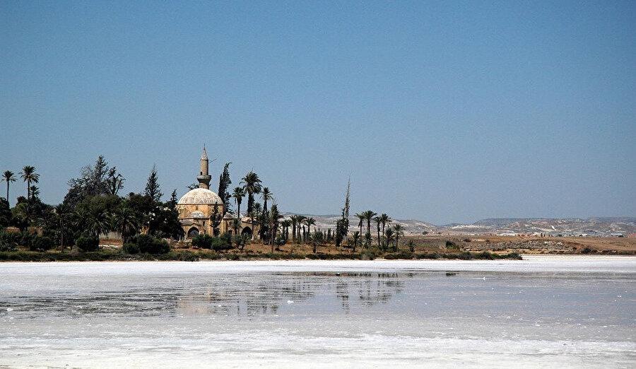 Hz. Muhammed (SAV)'ın müjdesine mazhar olan Ümmü Harâm'ın Akdeniz kıyılarındaki kabri.