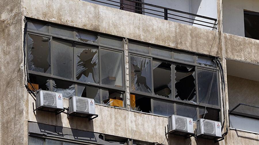 İsrail'e ait dronun Hizbullah ofisinde meydana getirdiği hasar.