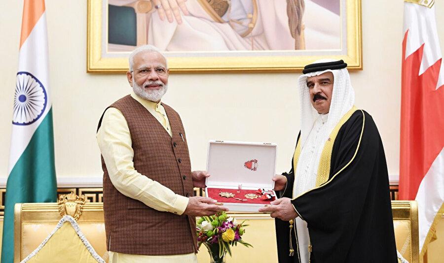 Bahreyn Kralı Hamed bin İsa Al Halife ve Hindistan Başbakanı Narendra Modi.