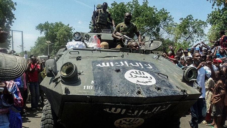 Boko Haram'ın Nijerya ordusu tarafından ele geçirilen tankı.
