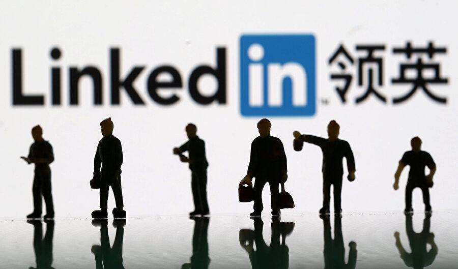 LinkedIn, dünya genelinde milyonlarca kullanıcının kariyer hareketlerini barındırıyor.