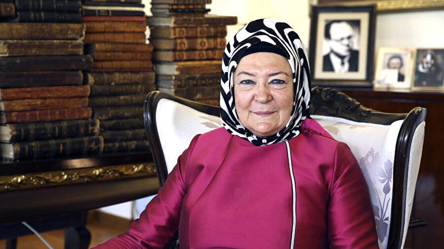 Prof. Dr. Ümit Meriç babasının Osmanlıca eserlerini Cumhurbaşkanlığı Kütüphanesine bağışladı