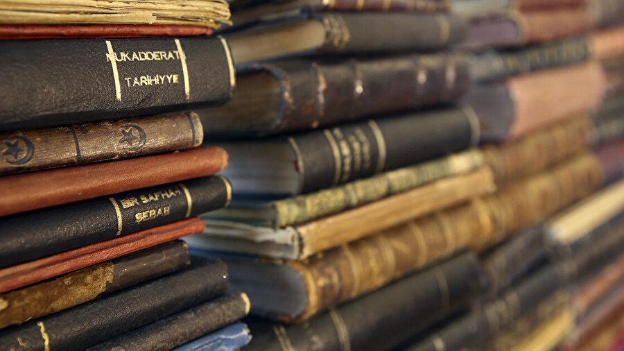 Yazar cemil Meriç'in kütüphanesinde 11 bin 500 kitap bulunuyor