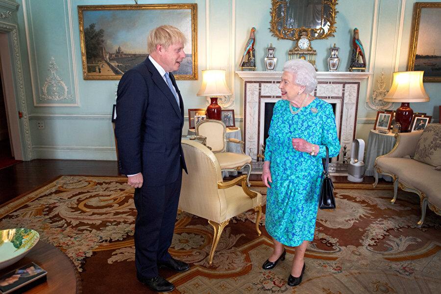 İngiltere Başbakanı Boris Johnson, Kraliçe 2. Elizabeth ile görüşmüştü.