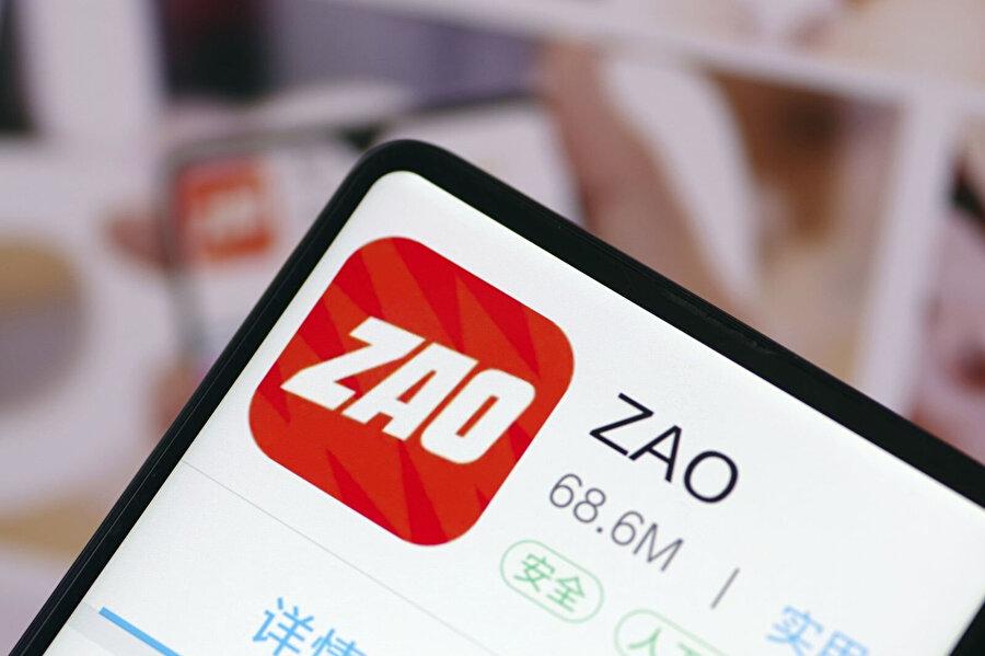 Zao aslında kullanıcıların gizlilik endişesi sebebiyle son günlerde fazlasıyla konuşuluyor. Hatta gizlilik politikasında yer alan bir madde sebebiyle de açıklama yapmak zorunda kaldı.