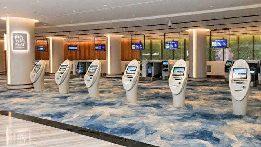 Jewel'in 'multimodal taşıma salonu' biletleme ve biniş kartı ve bagaj transfer hizmetlerinin yanı sıra erken check-in olanakları da sunuyor.
