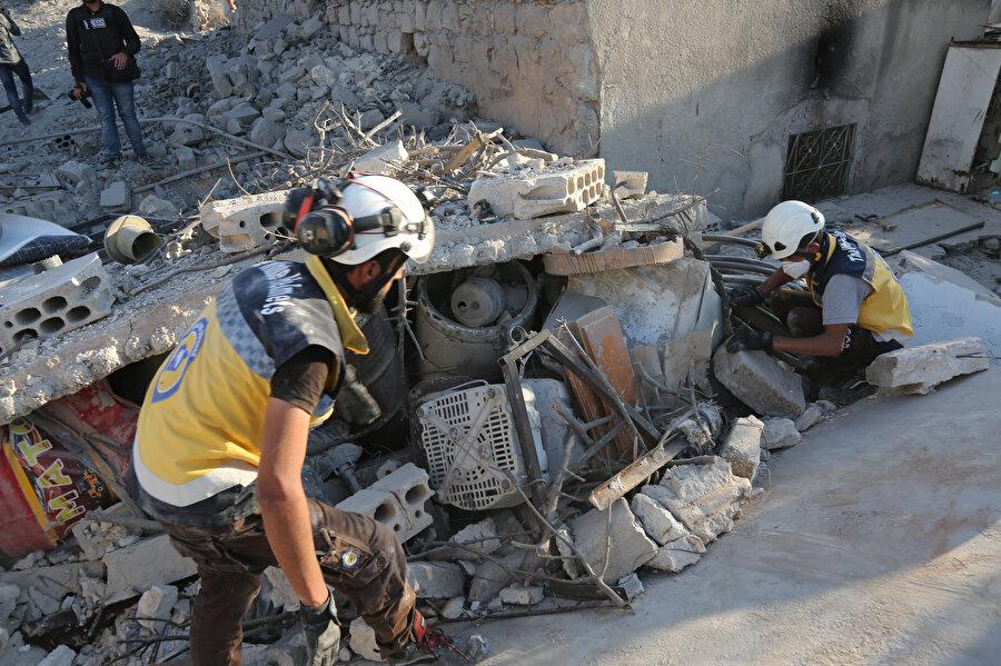 Suriye'de Beşşar Esed rejiminin, İdlib Gerginliği Azaltma Bölgesi'ndeki yerleşimlere düzenlediği hava saldırılarında 6 sivil yaşamını yitirmişti.