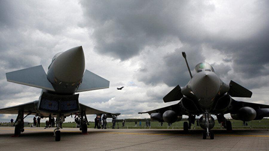 Eurofighter Typhoon ve Dassault Rafale Berlin Hava Festivali'nde sergilenmişti.