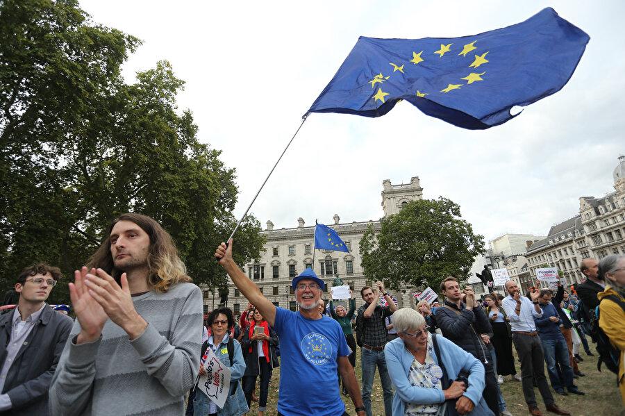 Brexit karşıtı gösterilerden bir fotoğraf.