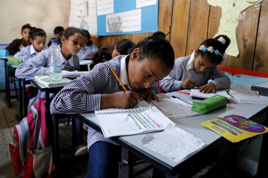 İsrail yaşayan Arap kökenli öğrenciler.