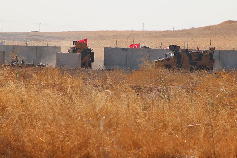 Suriye'de Fırat'ın doğusunda güvenli bölge birinci safha uygulamaları kapsamında ilk ortak kara devriyesi yapıldı.