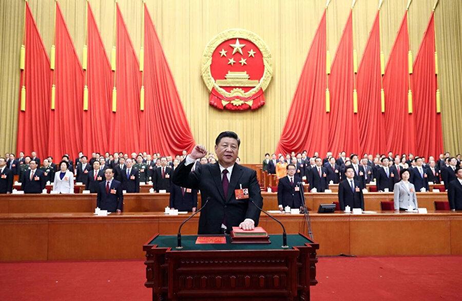 Foxconn krizinin Çin parlamentosunda da yüksek sesle dillendirilmesi bekleniyor.