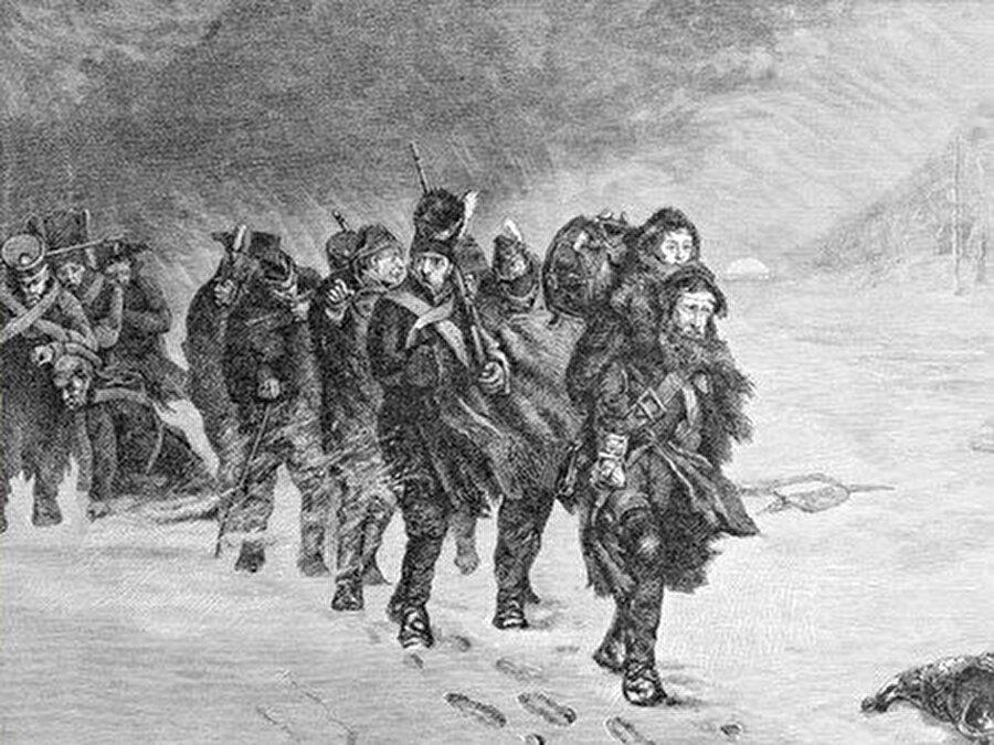 """Napolyon'un ve Hitler'in Moskova seferleri sırasında mağlup oldukları aslında """"General Kış"""" değildi."""