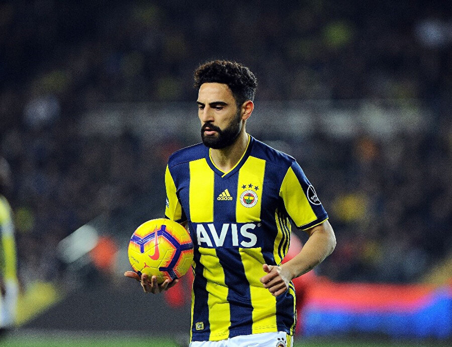 Fenerbahçe'de Mehmet Ekici kadro dışı kaldı.