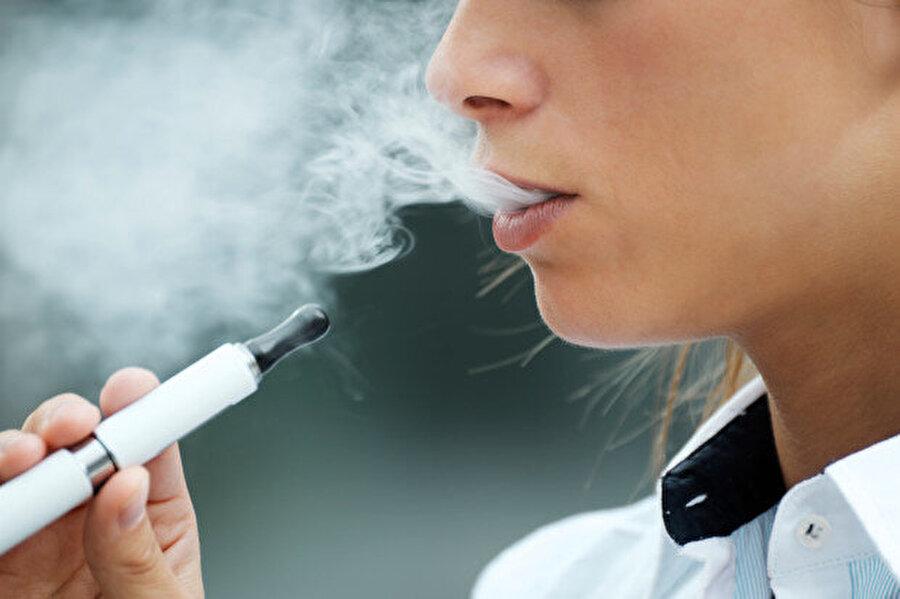 ABD'de yetkililer e-sigaraların güvenli olmadığı konusunda uyarılarda bulunuyor.