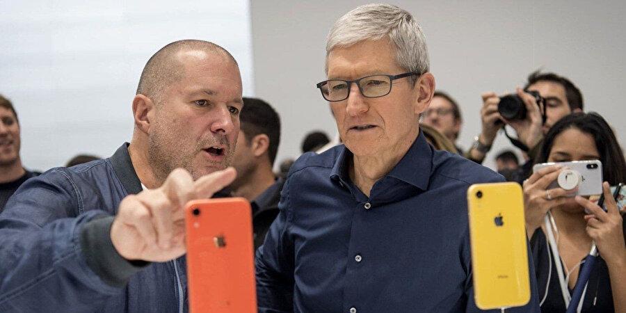 Apple'ın en ikonik ürünlerini tasarlayan Jony Ive, şirketten ayrılıp kendi bağımsız tasarım şirketini kurdu.