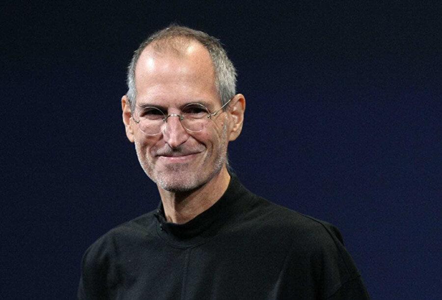 Steve Jobs, Apple'a geri döndükten sonra şirkette kararların hızlıca alınabilmesi için yönetici kadrosunda önemli düzenlemeler gerçekleştirmiş.
