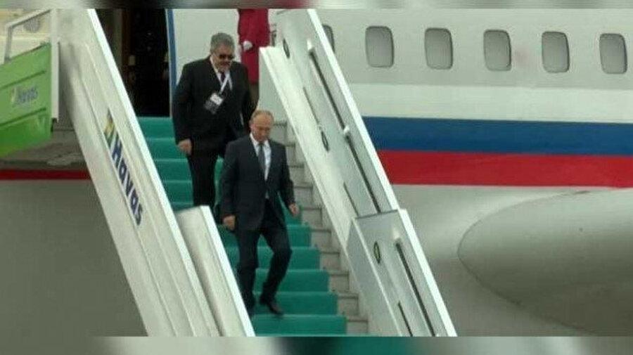 Putin'in uçağı Ankara'ya indi