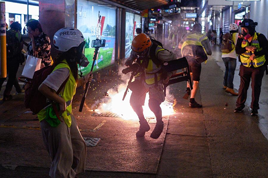 Hong Kong'daki gösterilerin şiddeti her geçen gün artıyor