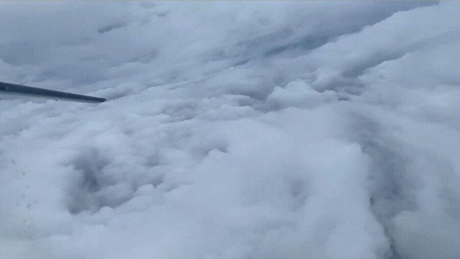 Kasırga uçaktan böyle görüntülendi.