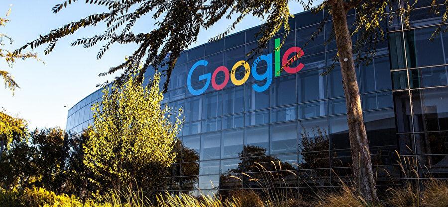 Google, dünyanın en büyük teknoloji platformlarından biri olarak değerlendiriliyor.