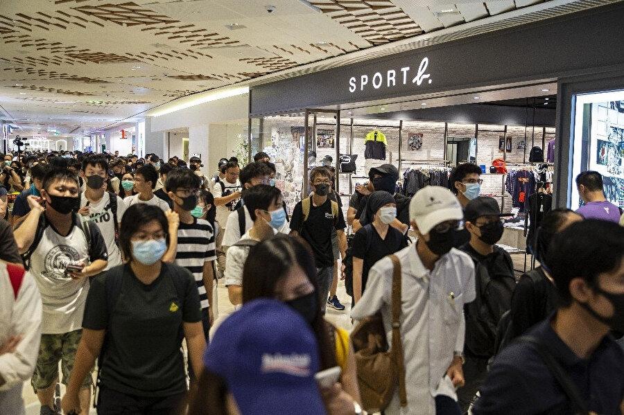 Hong Kong'ta protestolar devam ediyor.