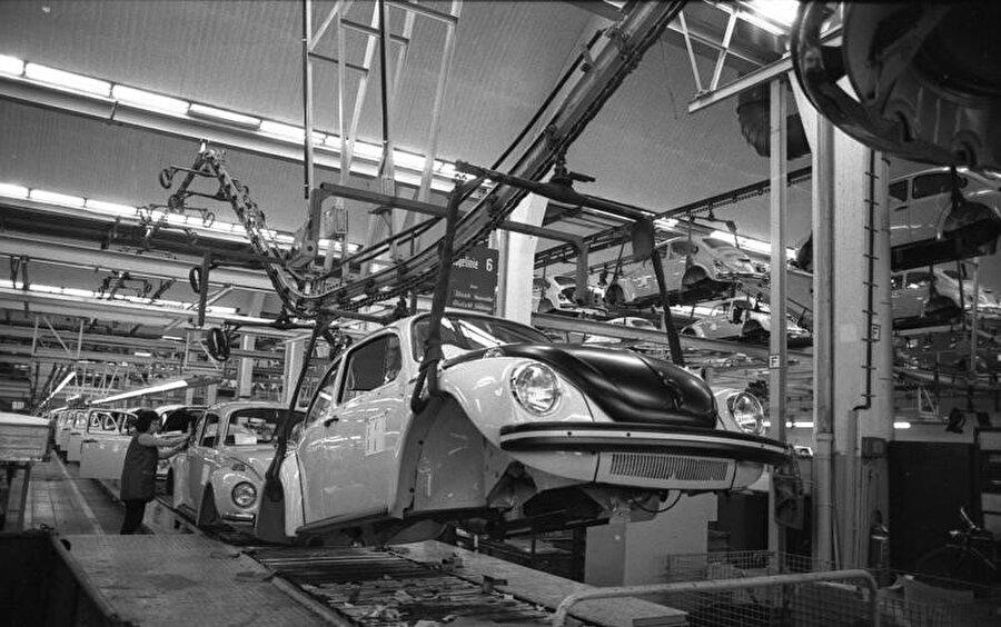 Ocak 1973 gününden bir Alman otomotiv fabrikası.
