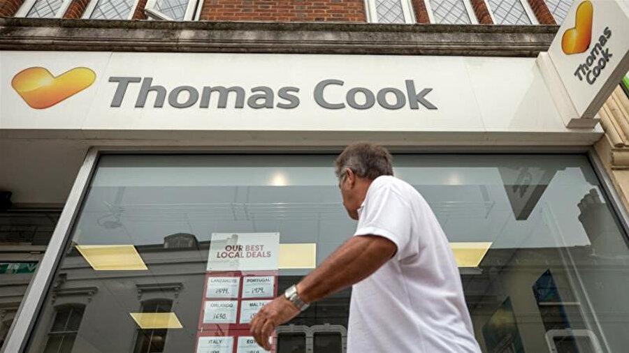 İngiliz seyahat firması Thomas Cook iflas etti.