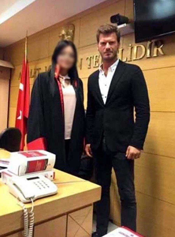 Kıvanç Tatlıtuğ, sosyal medya üzerinden bir açıklama yaptı.