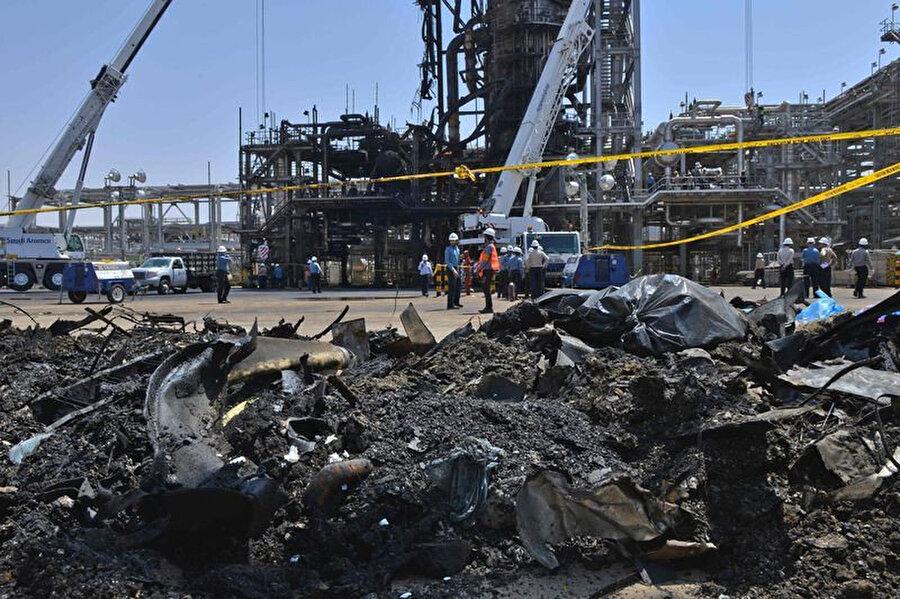 Saudi Aramco petrol tesislerinin Husiler tarafından İHA'larla vurulması sonucu petrol üretimi ciddi oranda aksadı.