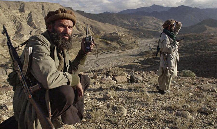 Afganistan'daki El Kaide militanları.
