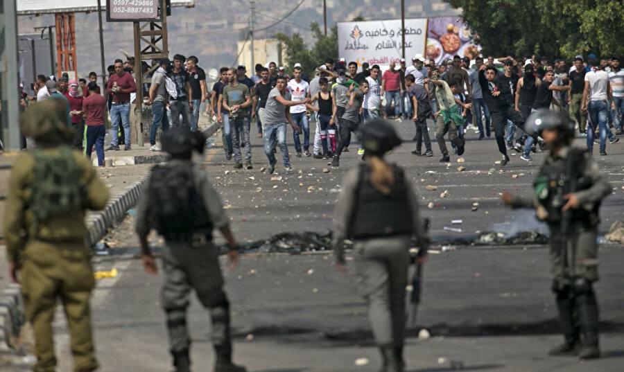 Gazze Şeridi'ndeki protestolara İsrail polisinin müdahalesi.