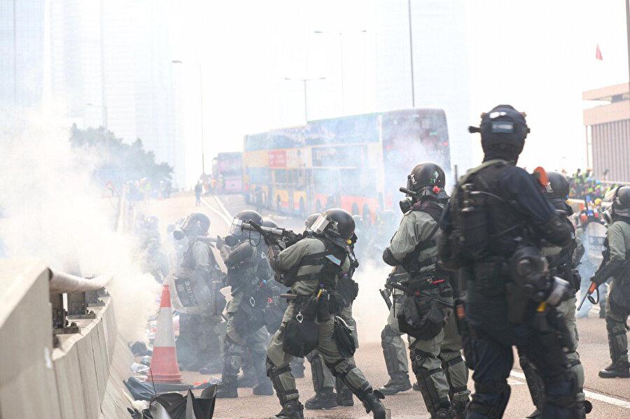Polis göstericilere biber gazıyla müdahale etti -DHA